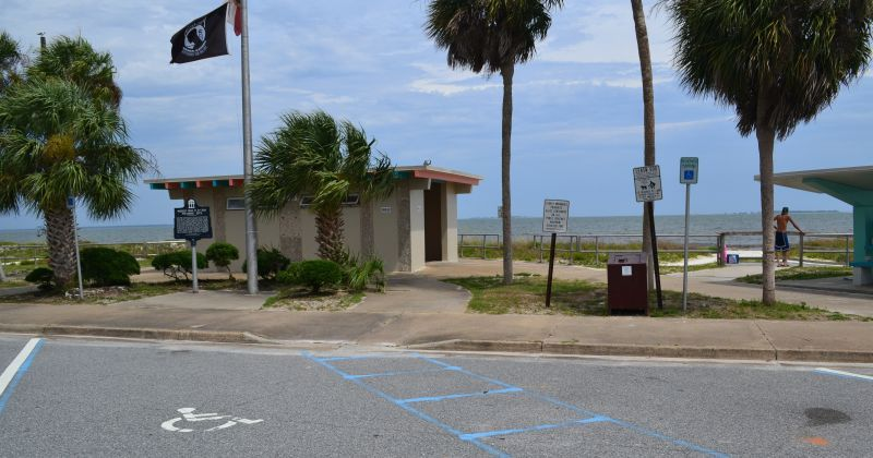 Carrabelle Beach - parking and restroom