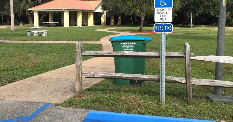 Wakulla River Park – picnic area and parking