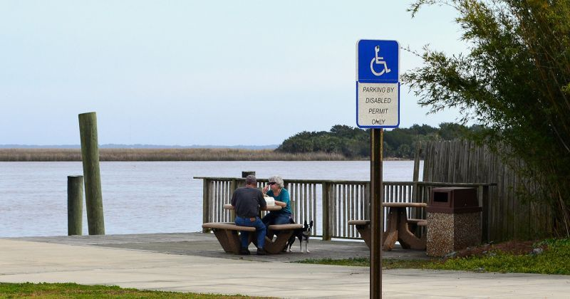 Apalachicola Maritime Museum and Waterfront Park - waterfront park picnic spot on river