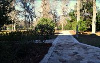Wakulla Springs State Park - springs pathway from lodge