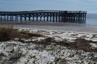 Mashes Sands Fishing Pier - pier at low tide